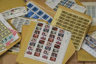 Us Postage Stamp Lot Over $2500.  00 Face Value