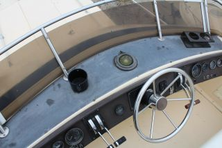 1983 Chris Craft 291 Catalina 12