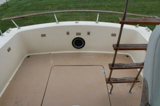 1983 Chris Craft 291 Catalina 14