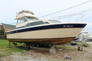 1983 Chris Craft 291 Catalina