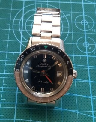 Zodiac Aerospace Gmt Black Dial Bakelite Bezel Automatic Vintage Military