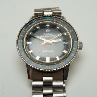 Vintage 1969 ZODIAC Aerospace GMT Watch Black Gray Bezel Automatic Space Craft 12