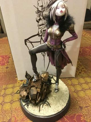 Bungie: Destiny Queen Mara Sov Statue,  Employee Only,  1 Of 300,  Extremely Rare