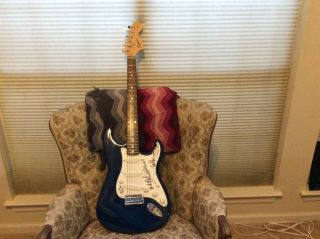 FLEETWOOD MAC x4 GROUP SIGNED FENDER SQUIER STRAT GUITAR BLUE AND WHITE 2