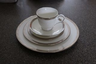 Lenox Landmark Platinum China Placesettings (10 Total)