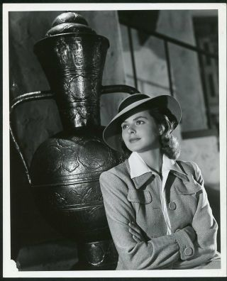 "Ingrid Bergman "" Casablanca "" Vintage 1942 Jack Woods Stamp Photo"