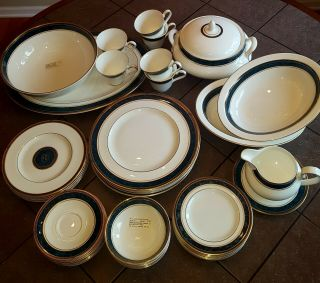 44 - Piece Fine China Set: Biltmore By Royal Doulton 6 - Piece Place Setting