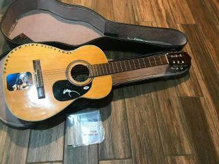 Rare - Willie Nelson Autographed - Signed Guitar With Psa/dna