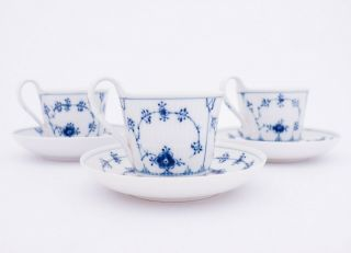 3 Large Cups & Saucers 069,  72 - Blue Fluted - Royal Copenhagen - 1:st Quality
