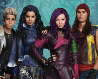 Descendants Tv Show Cast Dove Cameron As Mal Glossy Photo 8x10 Picture 114