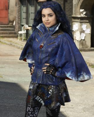 Sofia Carson Actress As Evie Descendants Tv Show Glossy Photo 8x10 Picture 101
