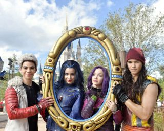 Descendants Tv Show Cast Dove Cameron As Mal Glossy Photo 8x10 Picture 127