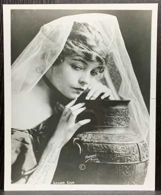 Lillian Gish Autograph 8x10 Bw Signed Photo Actress The Scarlet Letter