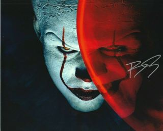 Bill Skarsgard Pennywise The Dancing Clown It Autographed 8x10 Photo