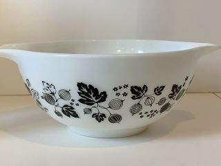 Rare Htf Vintage Pyrex Black And White Gooseberry Cinderella Mixing Bowl 442