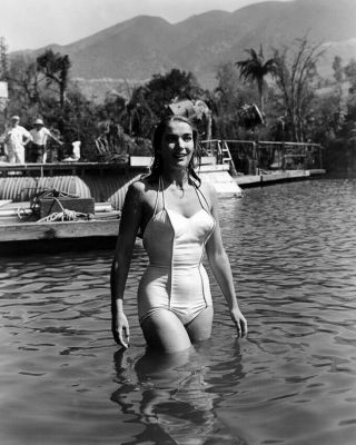 Creature From The Black Lagoon Julie Adams Candid In White Swimsuit Water Photo