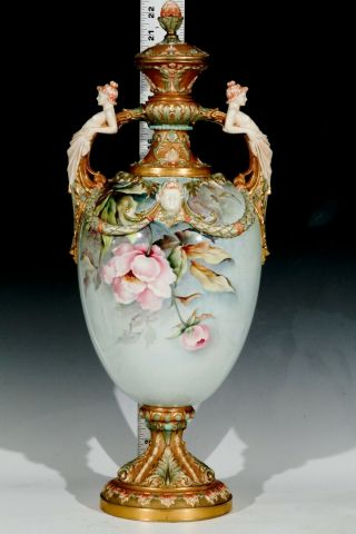 ROYAL WORCESTER - RAISE FLOWERS - SHAPE - W/ COVER 10