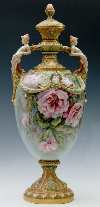 ROYAL WORCESTER - RAISE FLOWERS - SHAPE - W/ COVER 2