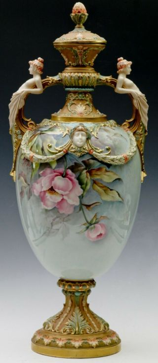 ROYAL WORCESTER - RAISE FLOWERS - SHAPE - W/ COVER 3