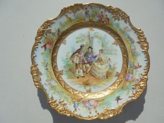 Very Fine Antique Dresden Porcelain Hp Plate Courting Scene Gold Encrusted 9 7/8