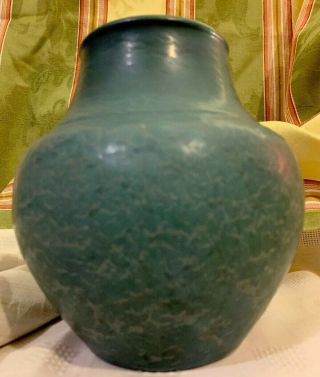 "Hampshire 6'25 "" Arts & Crafts Vase 142in Matt Veined Blue Leathery Glaze Minty"
