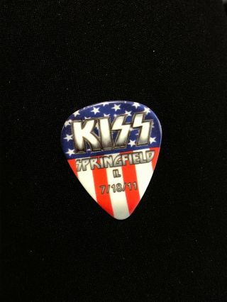 Kiss Hottest Earth Tour Guitar Pick Gene Simmons Springfield Il 7/18/11 Signed