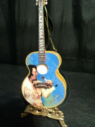 Collectable Elvis Guitar Christmmas Musical Ornament